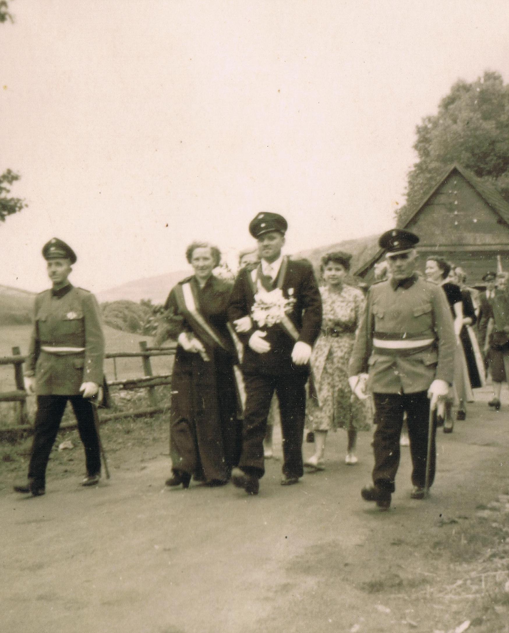 1954_Clemens+Gertrud_Ochibowski-60jährigesKönigsppar