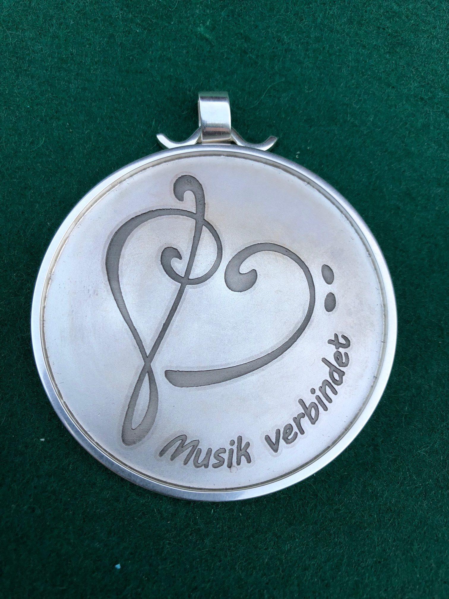 Schützenorden ziert die Verbundenheit zur Musik-Schützenverein ...